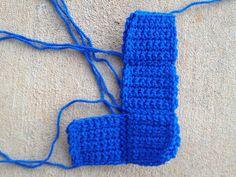 blue crochet tetromino, crochetbug, tetris crochet blanket, crochet blocks crochet squares