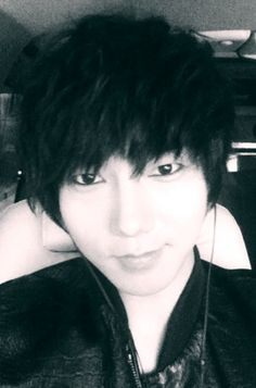 So gorgeous! Yesung^^ taken from @shfly3424's twitter acc