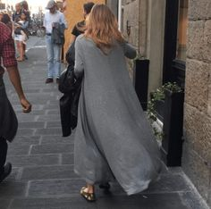 damenmode kleider jeans # The post damenmode kleider jeans # womensfashion Italian Women Style, Italian Fashion, Italian Chic, Over 50 Womens Fashion, Fashion Over 50, Ladies Fashion, Fall Fashion, Women's Shoes, Flat Shoes