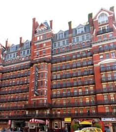 As Halloween approaches, take a moment to familiarize yourself with these ghosts of the famed Hotel Chelsea in New York City Chelsea Nyc, Chelsea Hotel, New York Landmarks, Haunted Hotel, World Crafts, Outdoor Sculpture, City Landscape, New York City, Architecture