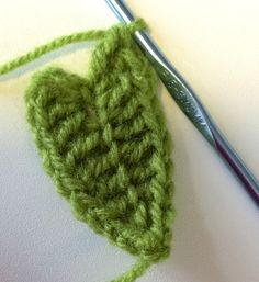 Crochet Leaf tutorial with step-by-step pics. Since the stitches are worked in the Back of foundation chain, a clear mid-rib emerges.