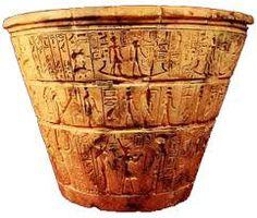035 - Los egipcios medían con la clepsidra los movimientos del Sol. De igual medio se valían los ilustres astrónomos para sus observaciones.