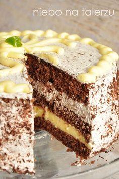 Chocolate cake with a lemon note- Tort czekoladowy z cytrynową nutą Chocolate cake with a lemon note - No Bake Desserts, Dessert Recipes, Cake Recept, Creative Desserts, Different Cakes, Fudge Cake, Strawberry Cakes, Polish Recipes, Homemade Cakes