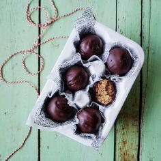 Vanlose Blues - Her handler det om geniale grøntsager Vegan Treats, Yummy Treats, Sweet Treats, Snack Recipes, Dessert Recipes, Desserts, Healthy Sweets, Healthy Food, Cookie Dough