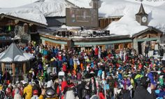 Party at the highest club in Europe, have a drink or two and dance on the tables. http://www.secretearth.com/pub_bar_clubs/367-la-folie-douce
