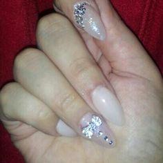 Light nude nails #stilettonails