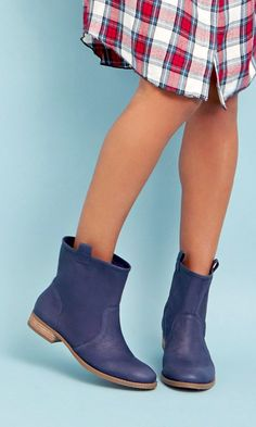 Bestselling soft leather boots with a slouchy casual shape