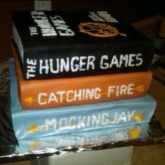 all of the hunger games cakes are so pretty it's making it harder to chose one i want!