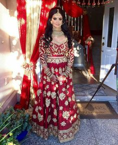 《WEDDING》 BRIDE♡ #bride #dress #red #lehenga #jewwlry #happyday #smiles #wedding…