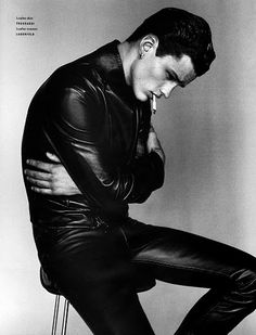 COUTE QUE COUTE: VOGUE HOMMES INTERNATIONAL A/W 2011/12 »LEATHER« SHOT BY ALADAIR MCLELLAN FEAT. SIMON NESSMAN