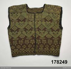 Tröja omgjord till väst. Från Bjuråker, Hälsingland. Knitting Patterns, Sweater Patterns, Swedish Fashion, Silk Stockings, Textiles, How To Purl Knit, Vintage Knitting, Pullover, Knit Crochet