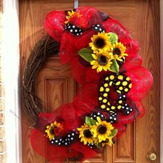 Deco Mesh summer wreath with sunflowers on a grapevine base, need to make this for my kitchen