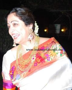 Kiron Kher in Paithani Saree. Description by Pinner Mahua Roy Chowdhury.