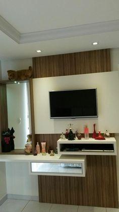 Painel quarto para make e tv