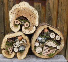 Insektenhotel im Baumstamm. Als Ausgangsmaterial dienen ca. Insect hotel in the tree trunk. The starting material is about 30 to high tree trunk sections. The diameter sho Garden Bugs, Garden Insects, Garden Pests, Garden Art, Bug Hotel, Mason Bees, Bee House, Little Gardens, Beneficial Insects