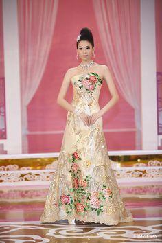 Bridal Fashion Showcase for 2011 – Davie's Blog