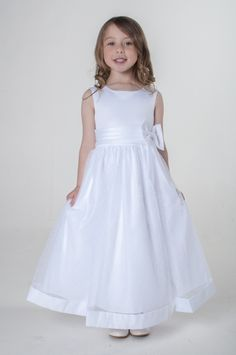 White Bow Flower Girl Bridesmaid First Holy Communion Dress. available in other colours, please see our website. UK supplier ships worldwide.