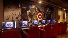 Internet cafe in Hua guy yuan