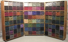 69 ideas craft room storage yarn display for 2019 Craft Tables With Storage, Craft Room Storage, Craft Rooms, Storage Ideas, Wool Shop, Yarn Shop, Yarn Display, Craft Room Closet, Knitting Room