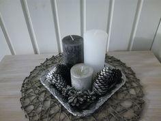 Maalattuja käpyjä Candle Holders, Candles, Porta Velas, Candy, Candle Sticks, Candlesticks, Candle, Candle Stand