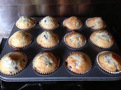 Les muffins aux myrtilles une fois cuits _ à végétaliser