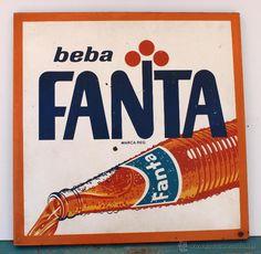 Pepsi Vintage, Vintage Metal Signs, Vintage Labels, Vintage Ads, Vintage Posters, Logos Retro, Retro Ads, Portfolio Book, Portfolio Layout