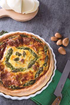 Pronti per un vero inno alla #primavera? Scopri la nostra #torta salata di #asparagi! ( #quiche with #asparagus ) #Giallozafferano #recipe #ricetta #spring