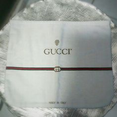 Vintage Gucci Dust Bag 100% cotton rectangular dust bag made in Italy.  In excellent vintage condition.  Light creamy off-white. Gucci Accessories