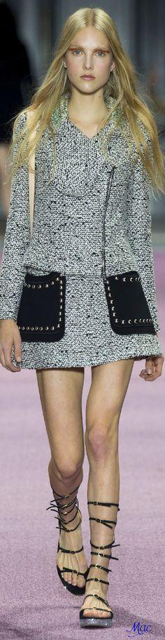 fe894dc1d3c3 Spring 2016 Ready-to-Wear Giambattista Valli Sofistikerad Stil, Giambattista  Valli, Preppy