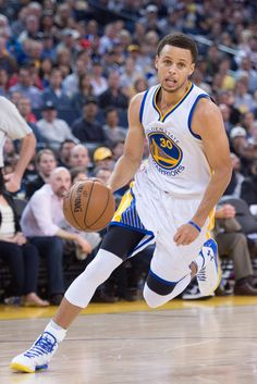 Stephen Curry Golden State Warriors - Home Basketball Games For Kids, Basketball Photos, Basketball Players, Stephen Curry Family, The Curry Family, Stephen Curry Basketball, Stephen Curry Poster, Wardell Stephen Curry, Curry Warriors