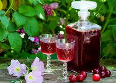 Herbal Kitchen, Gin, Healthy Salt, Kitchen Set Up, Romanian Food, Healing Herbs, Spice Blends, Herbal Medicine, Limoncello