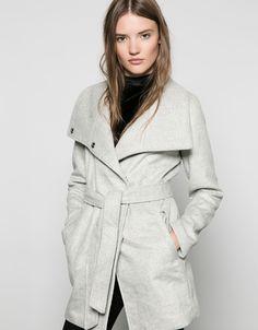 Bershka Mexico - Abrigo básico lana cuello chimenea con cinturón