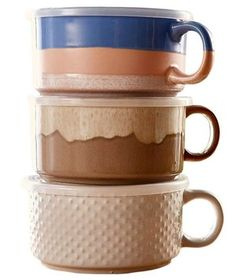 Cook, serve, re-heat, and store—all in this heat-safe ceramic mug. Though it's ideal for soups and chili, the lid's built-in steam vent makes it great for cooking veggies, too.
