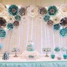 Planning your breakfast at tiffanys wedding shower party, here 25 ideas to copy 3 Diy Backdrop, Paper Flower Backdrop, Giant Paper Flowers, Backdrops, Diy Flowers, Shower Favors, Shower Party, Bridal Shower, Shower Gifts
