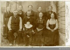 Gruppe i enkelt atelier - Midt-Telemark Museum / DigitaltMuseum Family Portraits, Norway, Families, Museum, Painting, Art, Atelier, Group, Painting Art