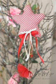 Μπομπονιέρα χειροποίητο κρεμαστό Χριστουγεννιάτικο στολίδι υφασμάτινο καρώ αστέρι., annassecret, Χειροποιητες μπομπονιερες γαμου, Χειροποιητες μπομπονιερες βαπτισης
