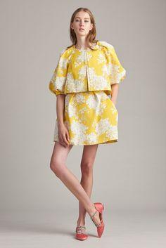 Monique Lhuillier Resort 2018 Fashion Show