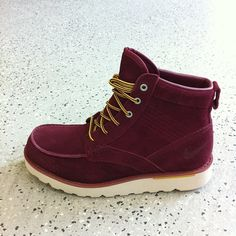 Nike Kingman Leather Boot in Burgundy Suede. Yup, I'd try these out