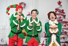 SANTA'S COMING?! WE KNOW HIM!!! #TBT @mrdrewscott @mrjdscott