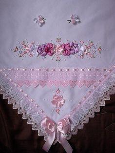 Resultado de imagem para mantas de bebe bordadas