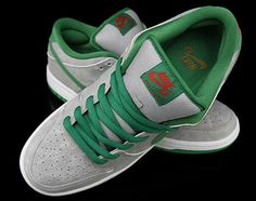 Oscar the Grouch-inspired Nike SB Dunks Eric Koston, Oscar The Grouch, Fashion Shoes, Mens Fashion, Fresh Shoes, Nike Sb Dunks, Stylish Men, Jumpers, Street Styles