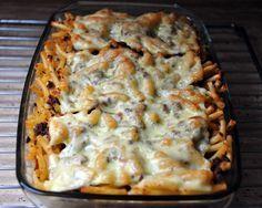 Kóstold meg és az egyik kedvenced lesz! :) Hozzávalók: 1 csomag tészta 1 dl paradicsomszósz 20 dkg pulyka sonka 10 dkg bacon 20 dkg gomba 10 dkg mozzarella 0,5 dl főzőtejszín só, bors olaj Elkészítése: A tésztát sós vízben megfőzzük. A... Pasta Recipes, Cooking Recipes, Healthy Recipes, Cauliflower Tots, Hungarian Recipes, Sweet And Salty, Macaroni And Cheese, Delish, Easy Meals