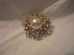 Vintage 1970s Sarah Coventry Silver Wedding Brooch Rhinestones Faux Large Pearl #SarahConventry