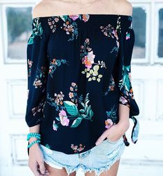 vicidollsHELLO SUMMER Collection – DEBUTING AT MIDNIGHT PST TONIGHT! Make this an unforgettable Summer with VICI. The best in looks, trends, inspiration + shopping picks for Summer 2017! Meet us at www.vicicollection.com at MIDNIGHT PST to shop the best of what's new!⠀ Ava Floral Off The Shoulder Top $48⠀ SIZES S - L