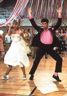 Grease with Olivia Newton John as Sandy Olsson & John Travolta as Danny Zuko Grease 1978, Grease Movie, Grease Dance, Grease The Musical, Grease Theme, Grease Party, Musical Film, Hollywood, Flamingo