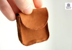 Сумочка для куклы, фото № 16 Doll Patterns, Card Case, Baby Shoes, Coin Purse, Purses, Wallet, Clothes, Bags, Leather