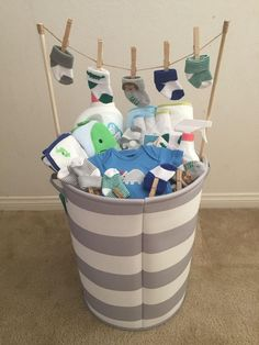 (Idea from my mother-in-law) - Baby Diy - Baby baby shower gift! (Idea from my mother-in-law) … Baby baby shower gift! (Idea from - Baby Shower Gift Basket, Baby Baskets, Baby Shower Gifts For Boys, Baby Shower Parties, Baby Shower Themes, Baby Boy Shower, Baby Shower Decorations, Baby Shower Presents, Baby Shower Gifts