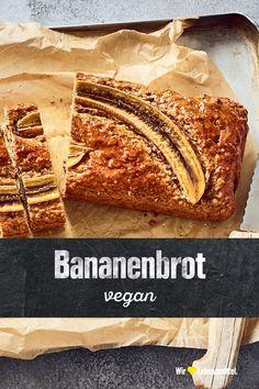 Super saftig und ganz ohne Ei, Milch, Butter und Zucker. Unser Rezept für veganes Bananenbrot beinhaltet neben den Bananen noch Mandeldrink, Mandelmus, Haferflocken und Ahornsirup. #edeka #bananenbrot #vegan #backen #rezepte