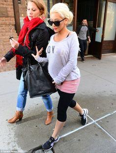 Baby on the way! Christina Aguilera 2014