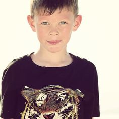 #tigergutt #myboy #summer #tiger #boy #instaday #instasun #lifeisgood #tshirt #hm #tskjorte #nice #beautiful #cool #kul #type #laidback